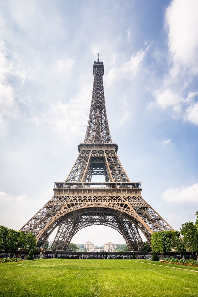 landscape photography in paris of the Eiffel tower