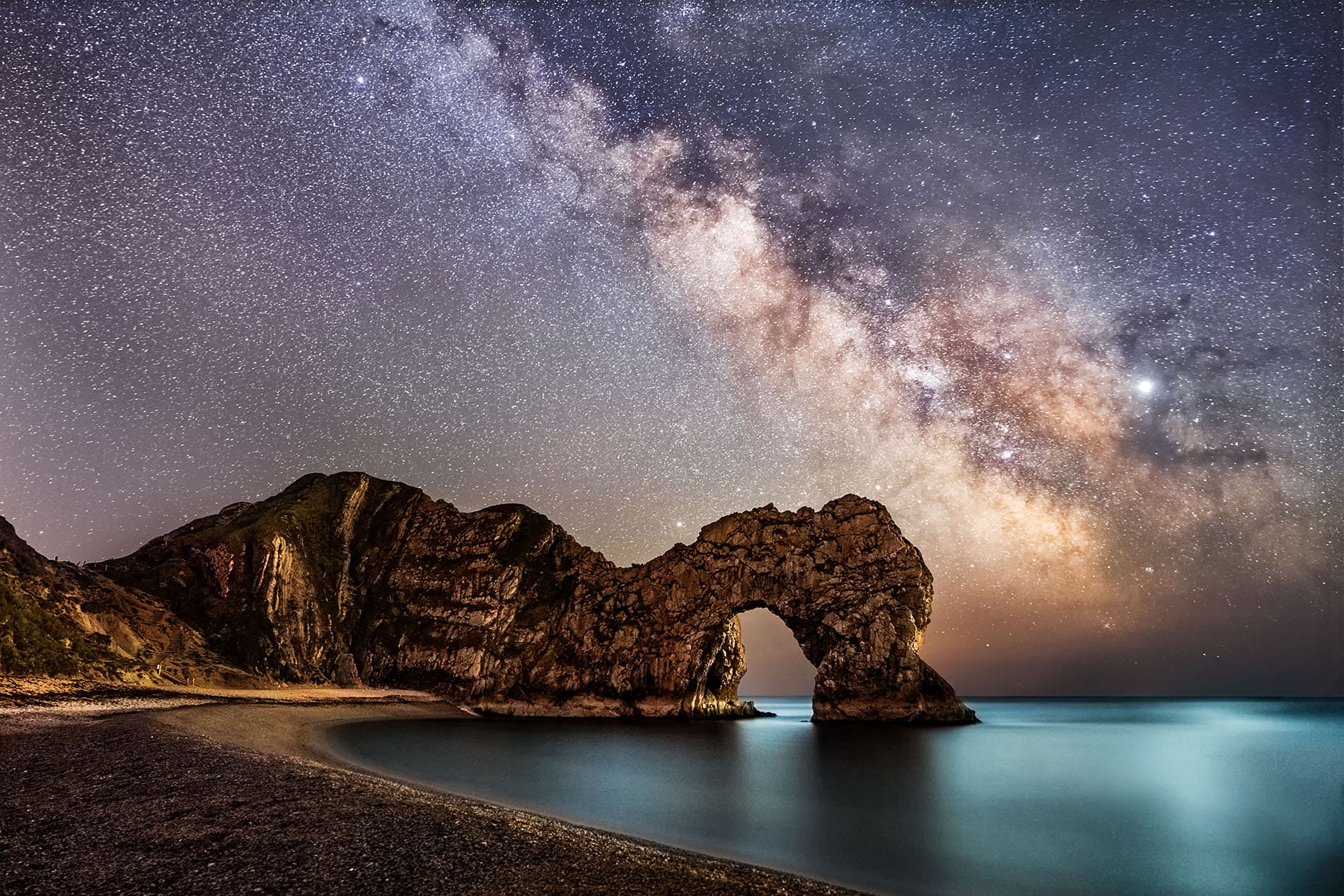 Milky way in dorset over durdle door on the jurassic coast
