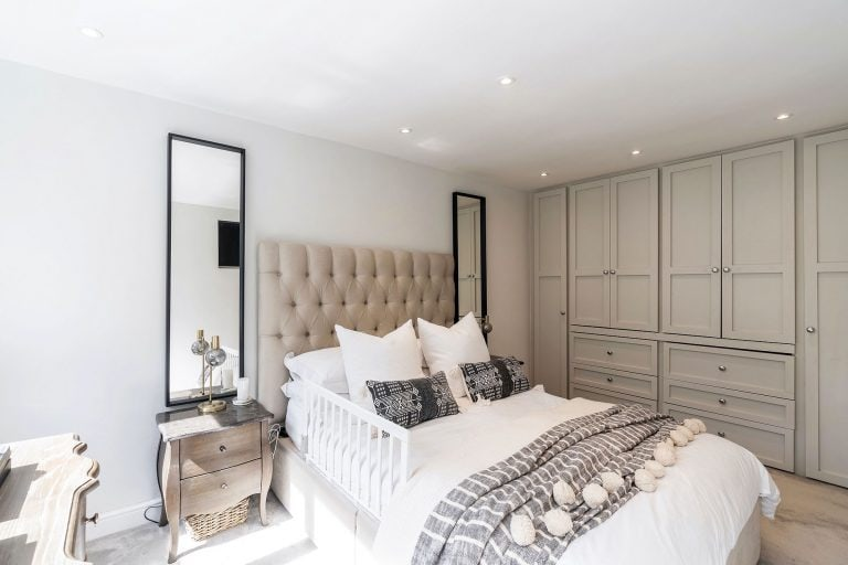 bedroom property photo